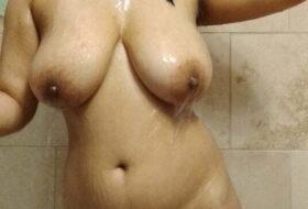 Fotos Amateurs Gordita Tetona toma un baño