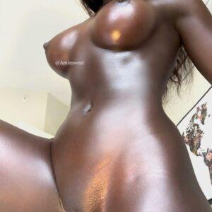 Amira West, Negra piel de ebano pornstar