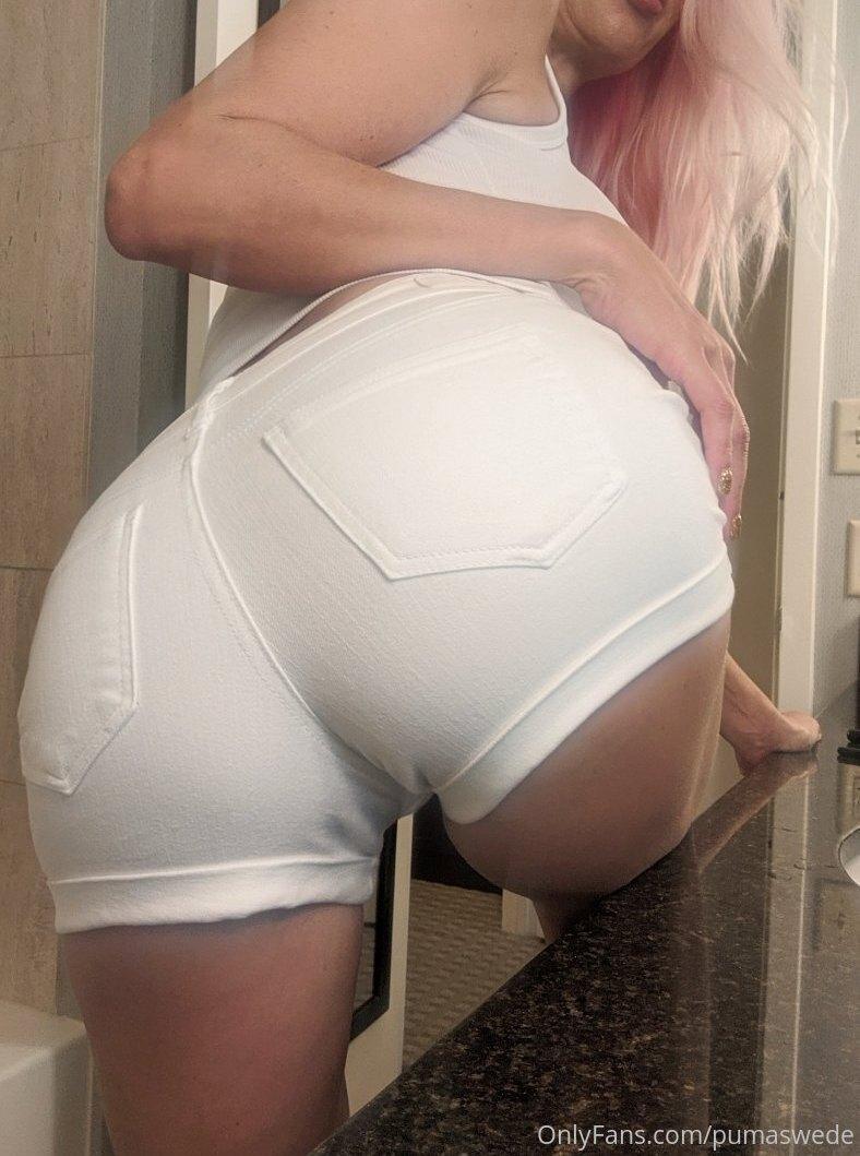Chicas Milf en OnlyFans, Puma Swede, rubia, explosiva y tetona muestra su coño. 1