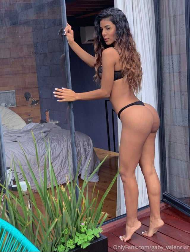 Gaby Valencia Exhuberante latina de onlyfans, Fotos chicas latinas desnudas