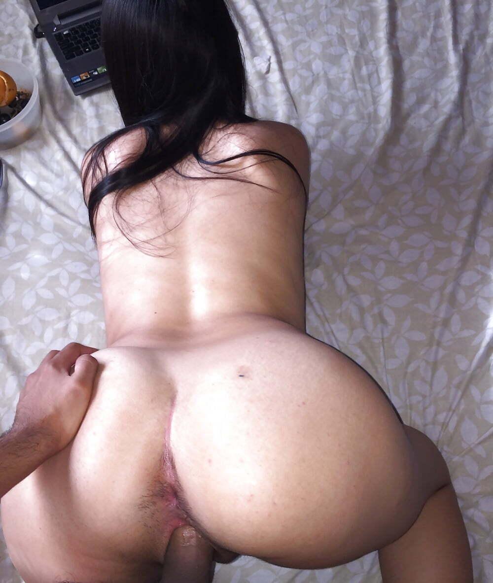 Mujeres posando y cogiendo a cuatro Doggystyle, Fotos Caseros porno de amateur
