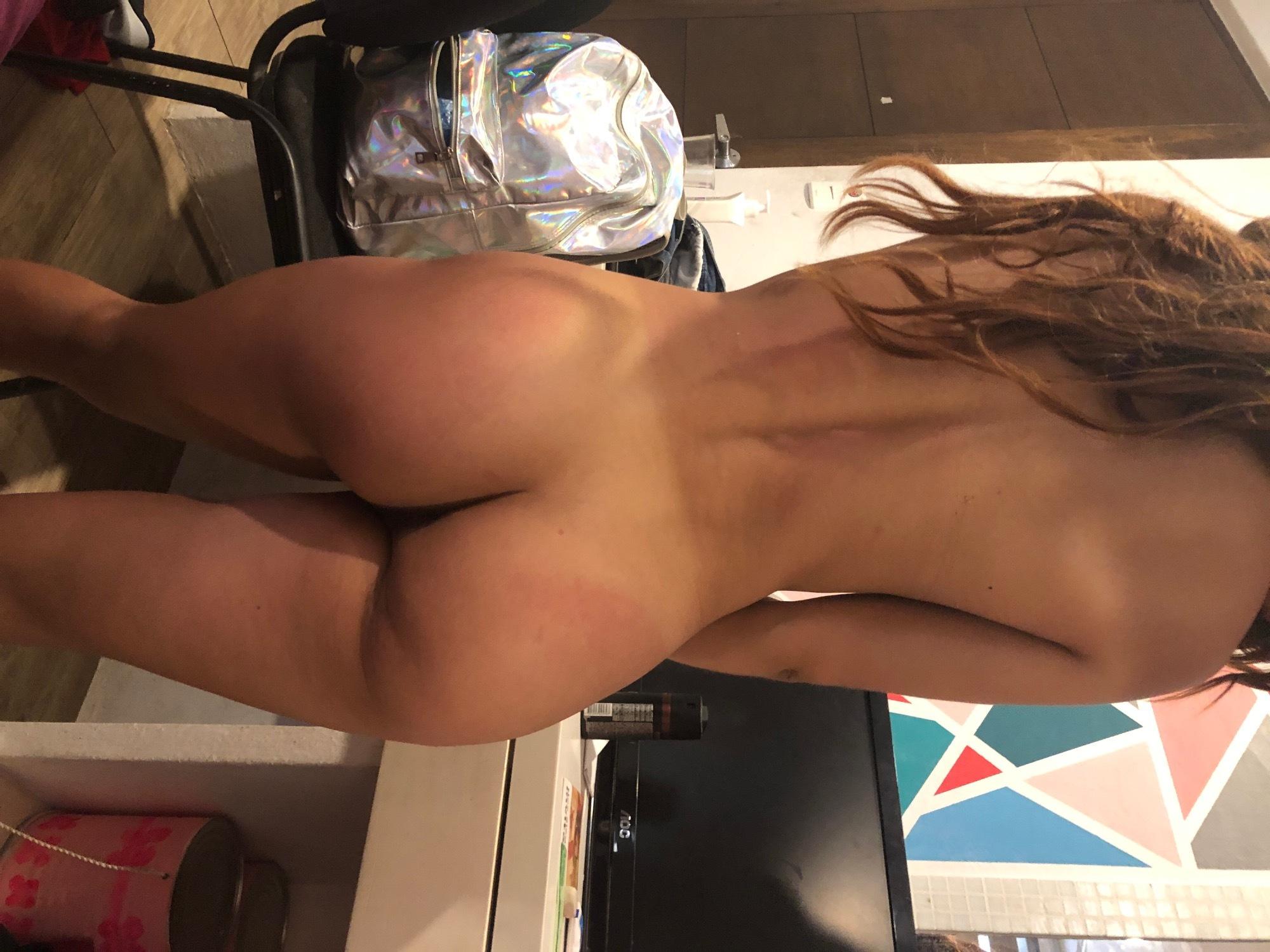 Mi novia enseñando el culo en cuanto porno