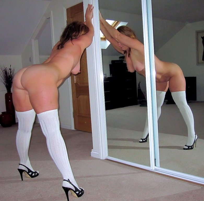 Fotos Caseras Mujeres posando desnudas